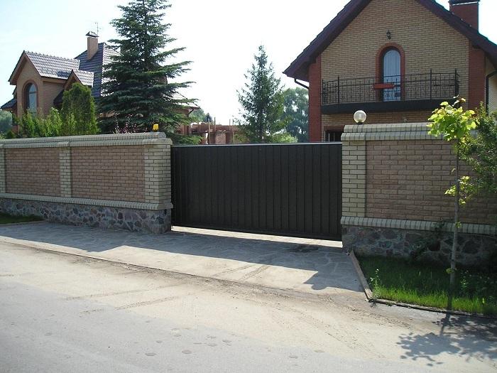 кам'яний паркан