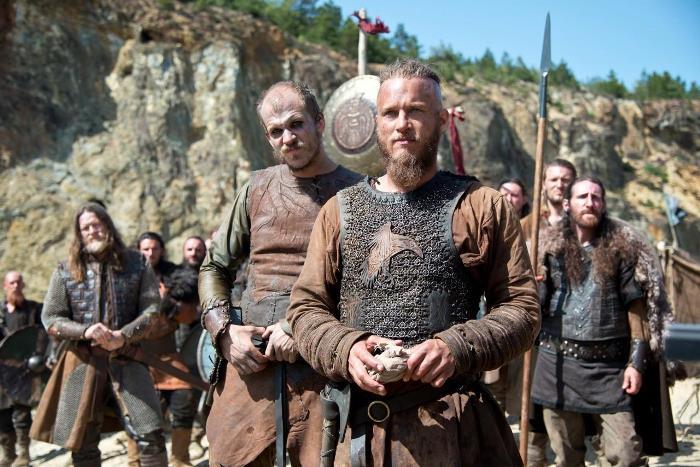 Вікінги дивляться на нові ворота